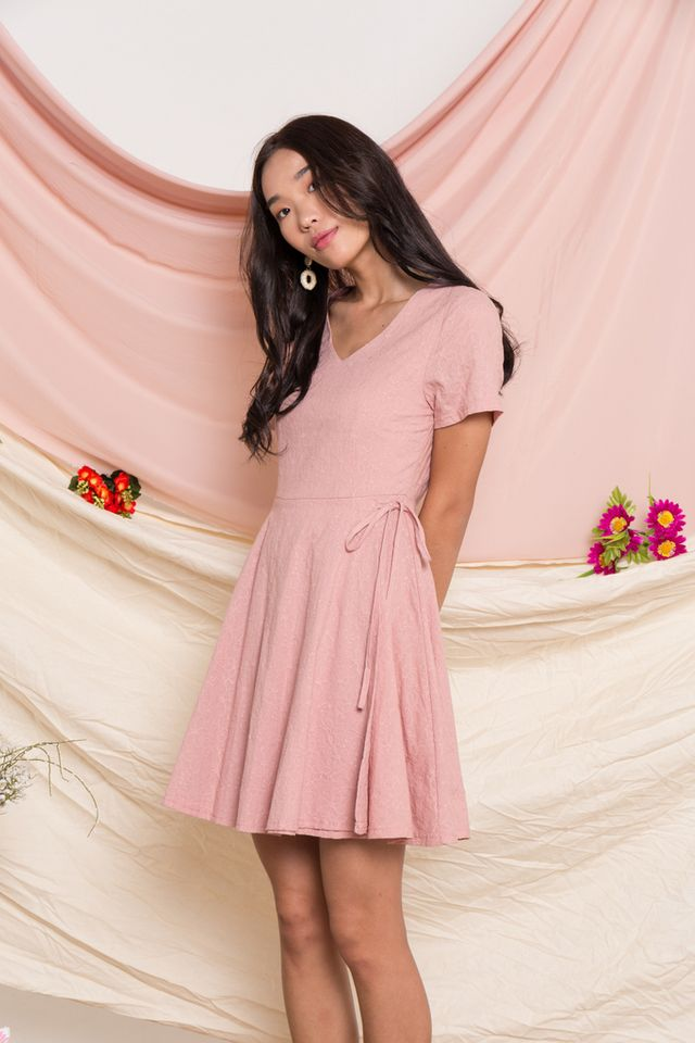 Winona Floral Embroidered Dress in Dusty Pink