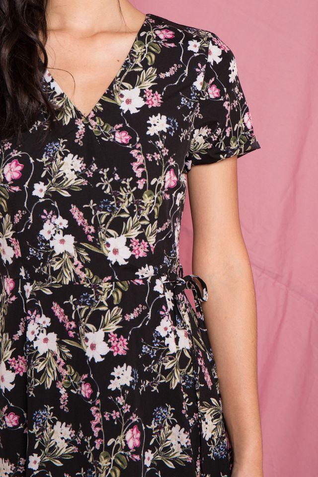 Zemira Floral Midi Dress in Black (XS)