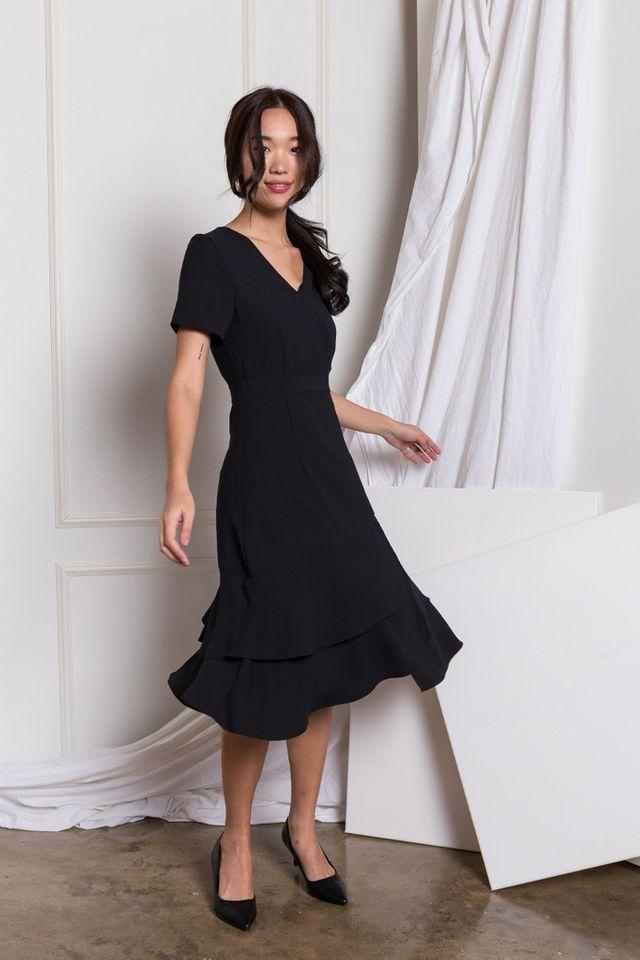 Reine Asymmetrical Ruffles Dress in Black (XS)
