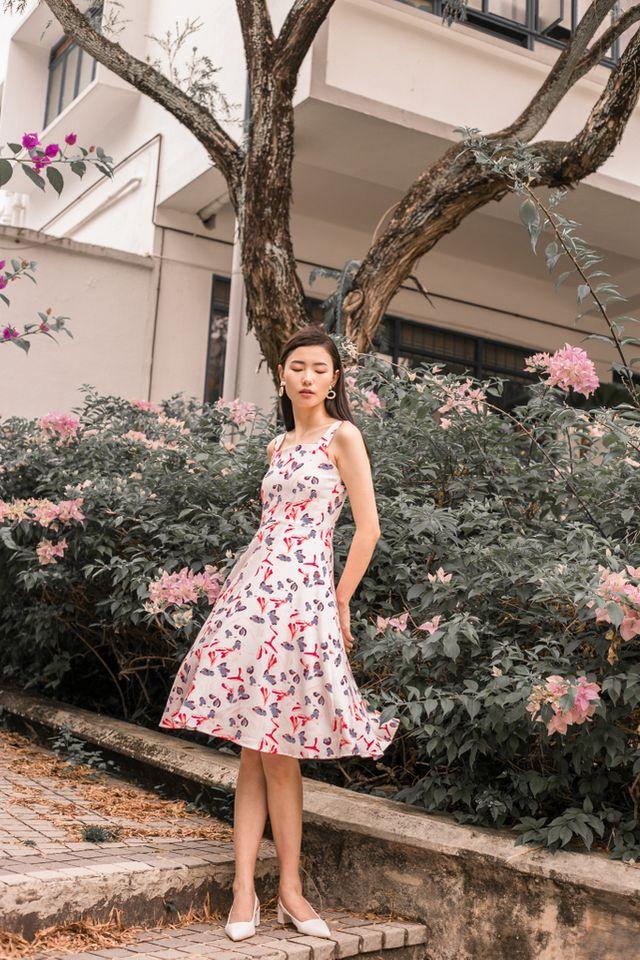 Claudalie Floral Midi Dress in White (XL)