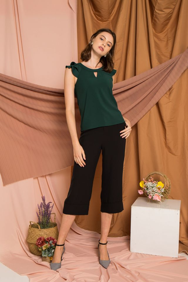 Chace Keyhole Ruffles Top in Forest (L)