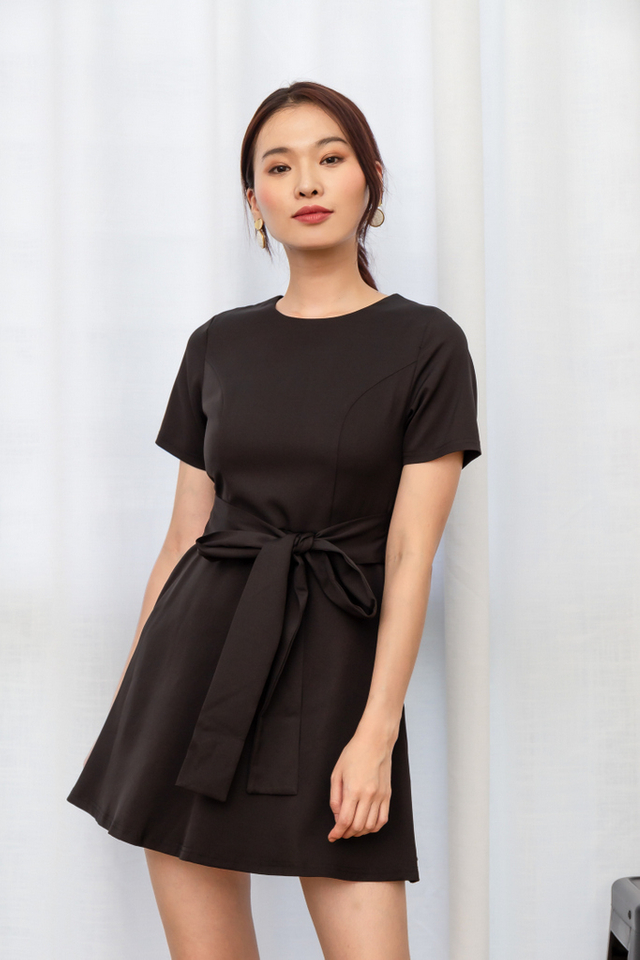 Wioleta Ribbon Skater Dress in Black (XS)