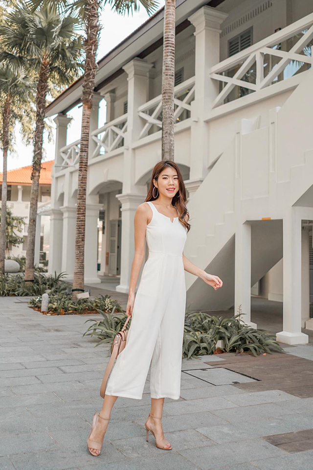 Hayleigh V Neck Jumpsuit in White