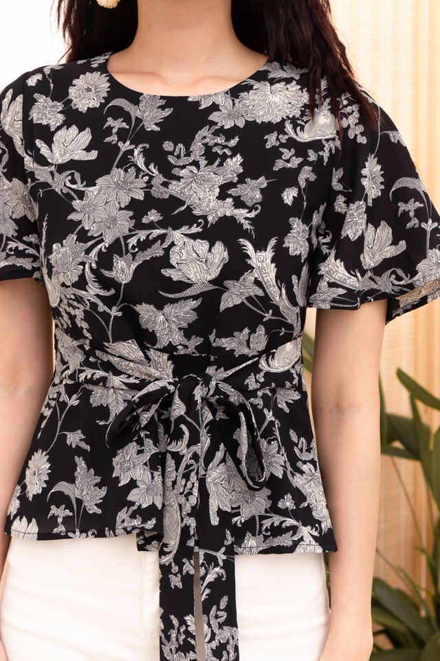 Lavia Floral Ribbon Top in Black (XS)