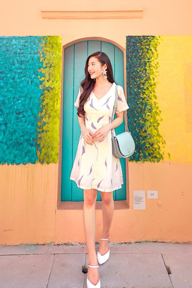 Asara Printed Trapeze Dress in Cream