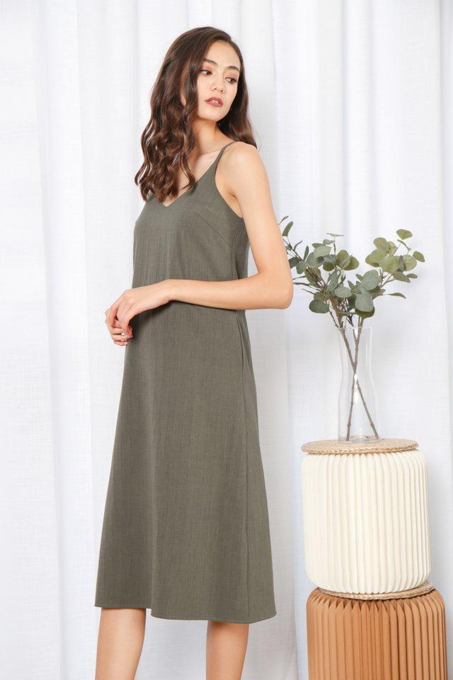 Zofia V-Neck Midi Dress in Green (L)