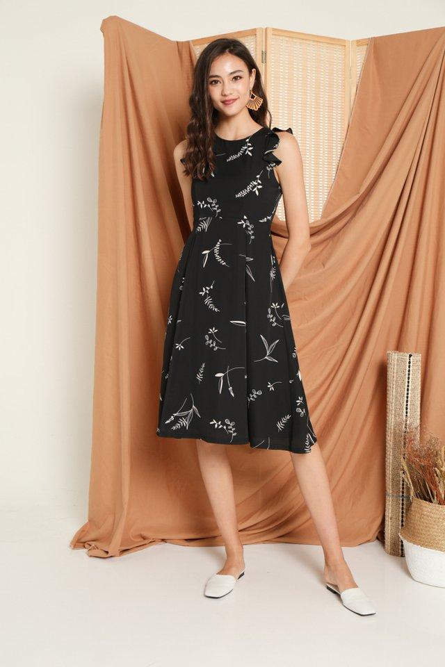 Penney Printed Ruffles Midi Dress in Black (XS)