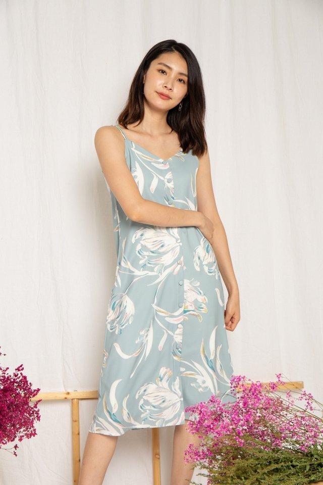 Lennon Floral Button Slip Dress in Sage (L)