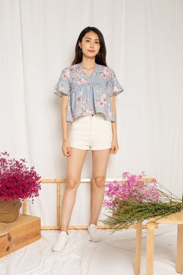 Aashi Floral Babydoll Ribbon Top in Dusty Blue