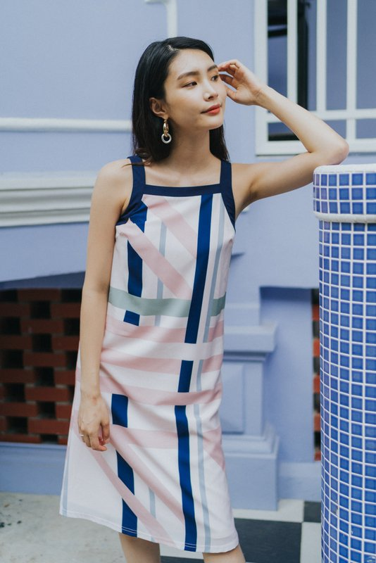 Helena Abstract Cut-In Midi Dress in Pink