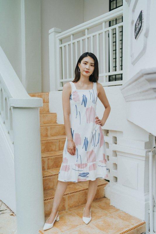 Lorena Abstract Dropwaist Midi Dress in Pink