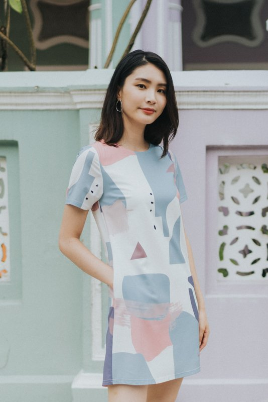 Gwenyth Abstract Shift Dress in Blue