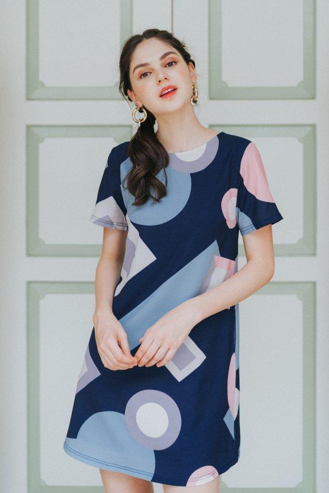 Jacinda Geometric Shift Dress in Navy (XS)