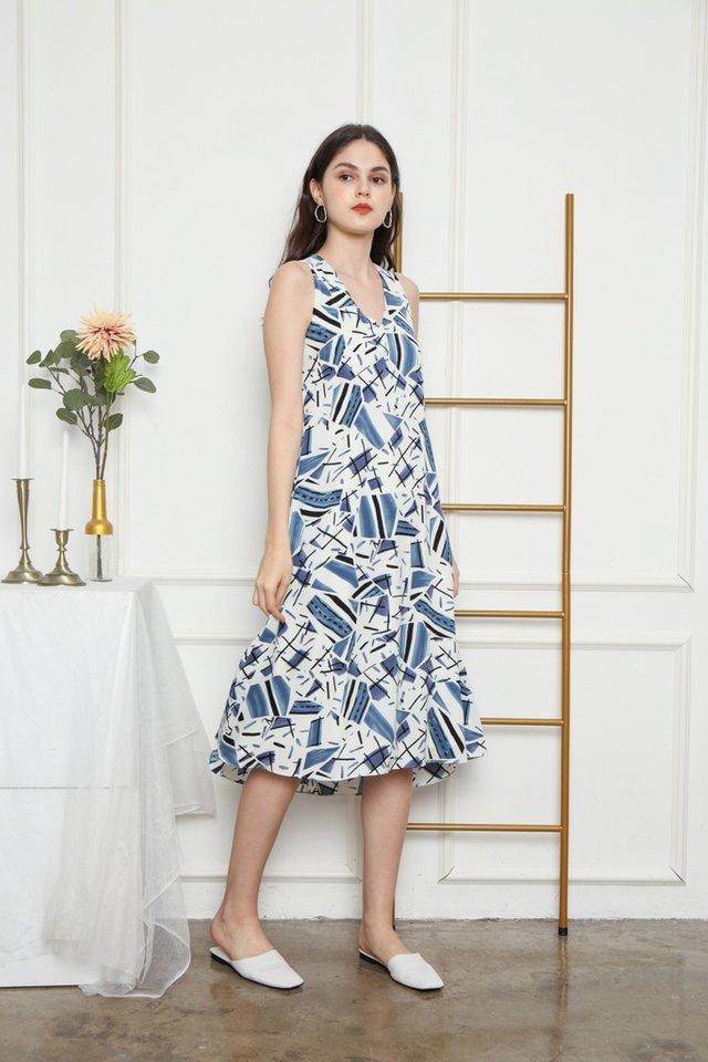 Ladonna Abstract Midi Dress in White (M)