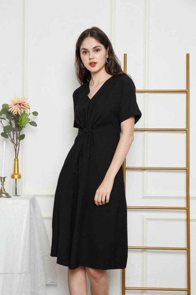 Ellema Knotted Midi Dress in Black (XS)
