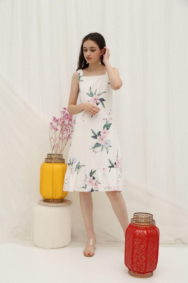 *Online Exclusive* Becka Floral Dropwaist Midi Dress in White (XS)