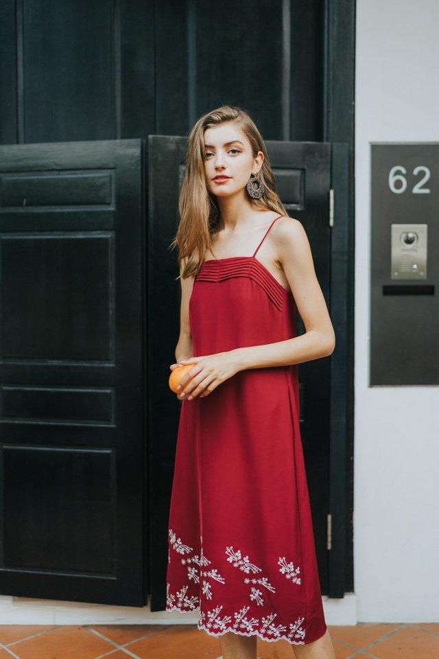 Reba Floral Embroidery Midi Dress in Wine