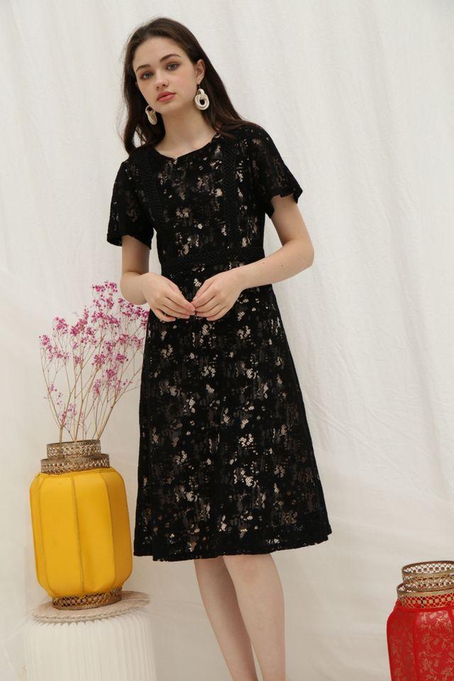 Brenda Premium Lace Sleeved Midi Dress in Black (XS)