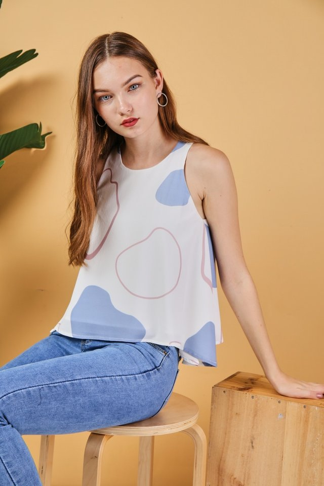 Gracelyn Abstract Cut-In Top in White