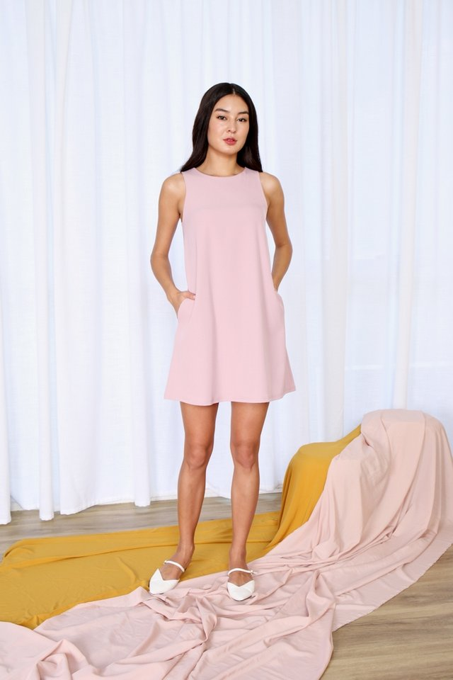 Beatrice Sleeveless Shift Dress in Pink