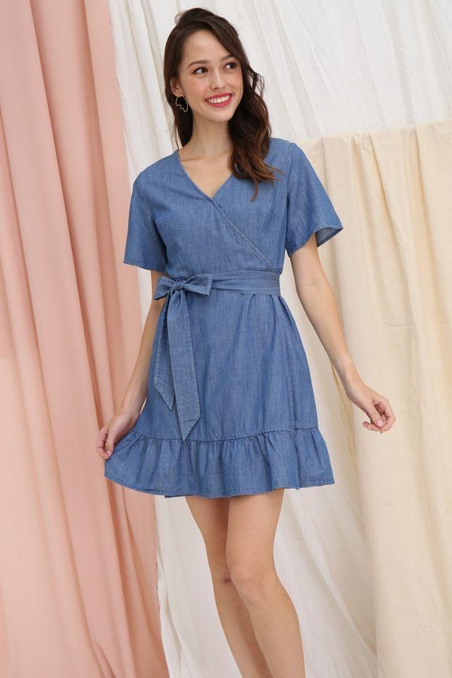 Elizabeth Denim Dropwaist Dress in Mid-Wash