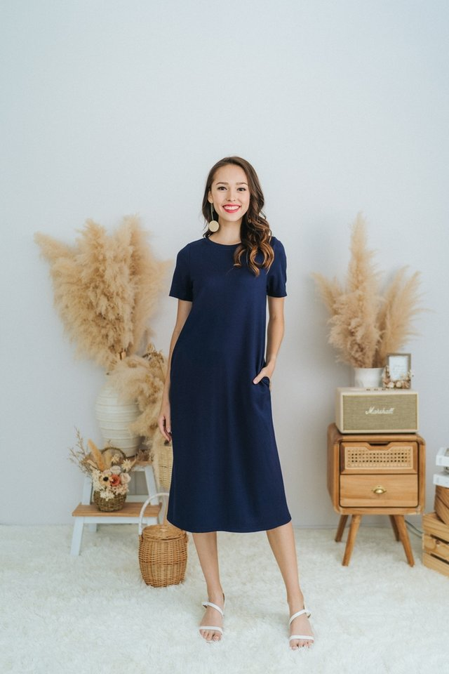 Earleen Basic Cotton Midi Dress in Navy