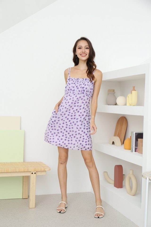 Della Daisy Ruched Dress in Lilac