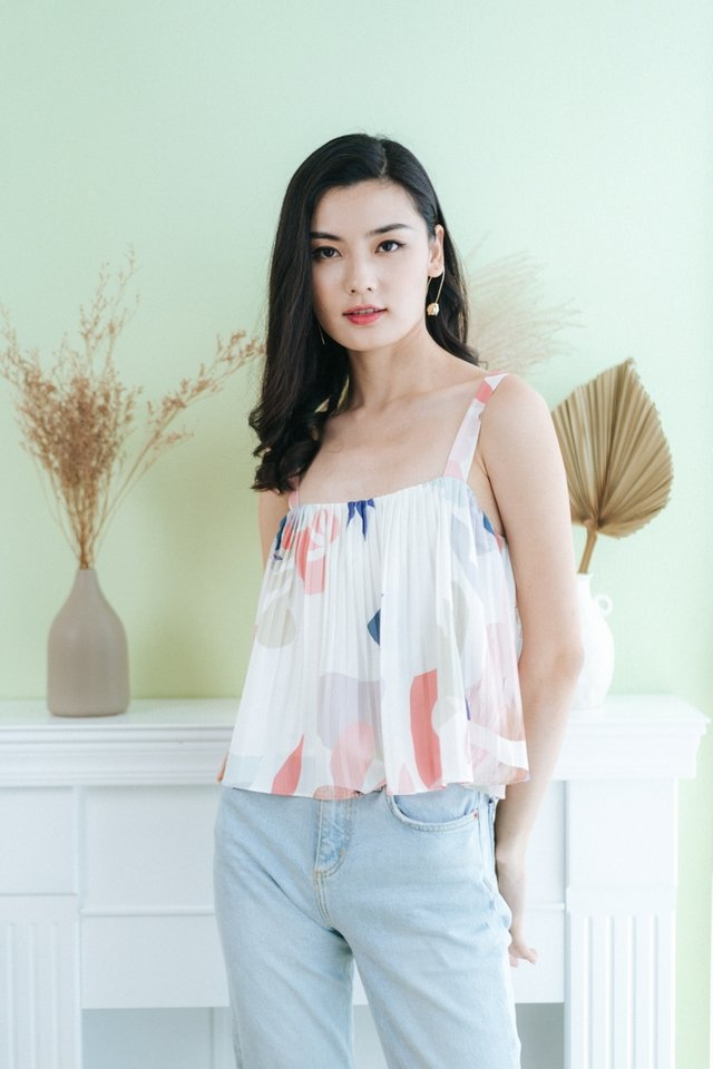 Evie Abstract Pleats Top in White
