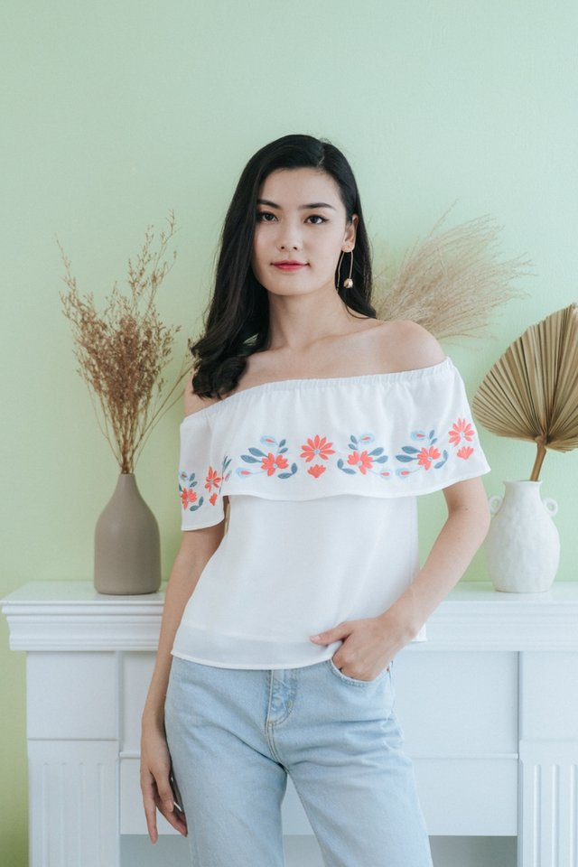 Ayla Floral Embroidery Off-Shoulder Top in White