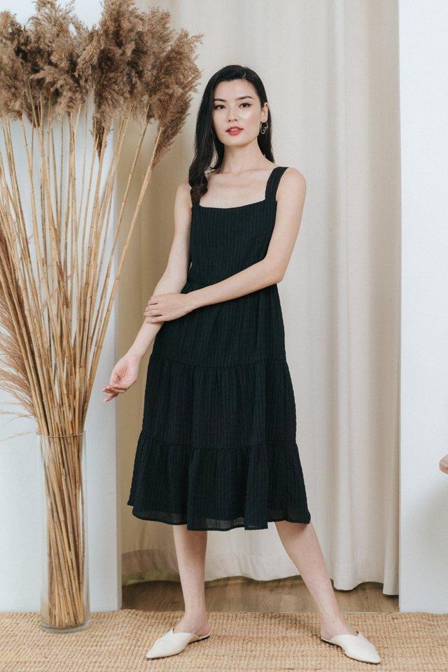 Winona Textured Tiered Midi Dress in Black