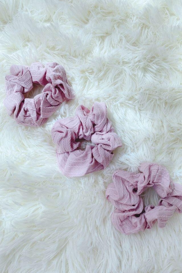 TSW Scrunchie in Textured Pink