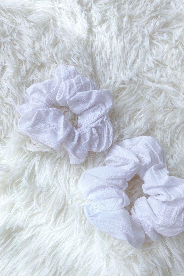 TSW Scrunchie in Textured White