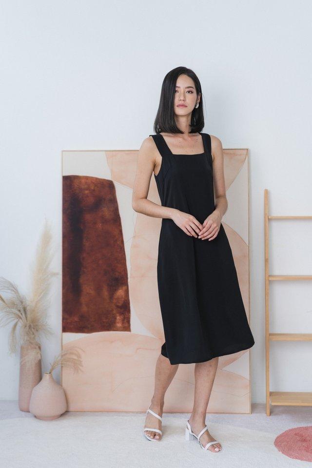 Jaylah Halter Midi Dress in Black
