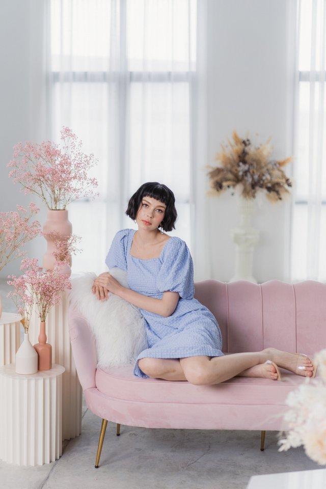 Alexia Textured Puffed Sleeves Midi Dress in Powder Blue