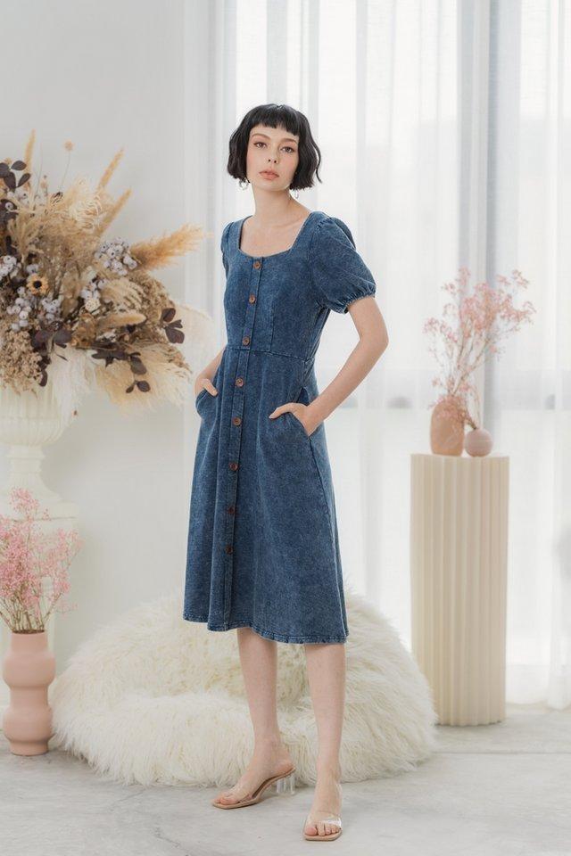 *BACKORDER* Ferlyn Button Denim Midi Dress in Mid Wash