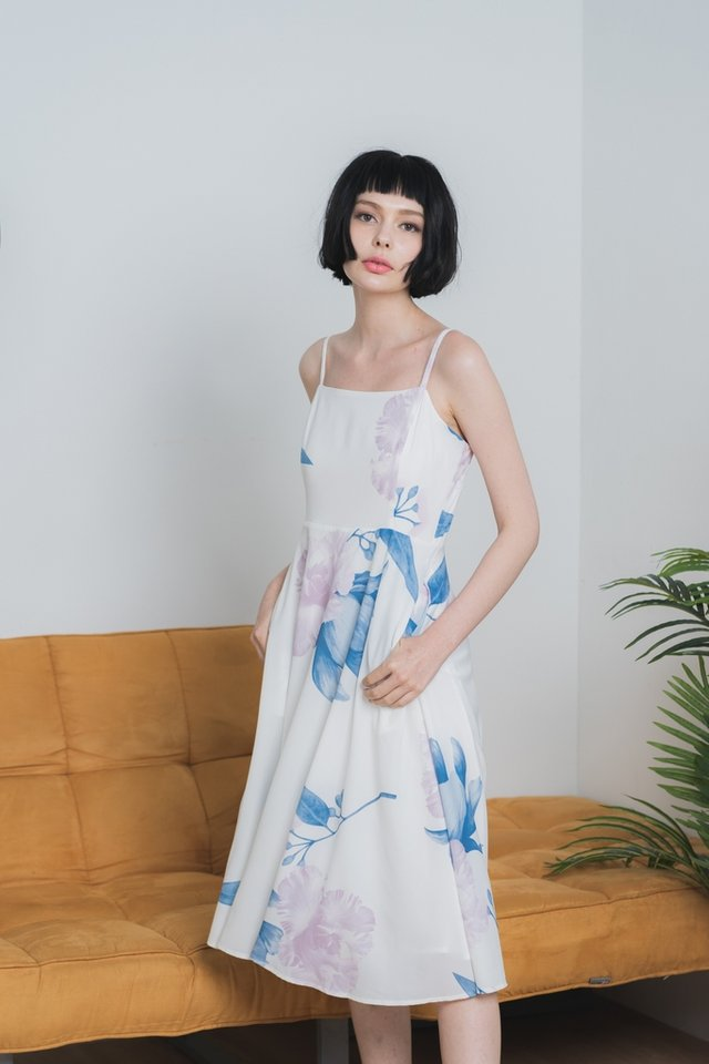 *Online Exclusive* Verona Floral Flare Midi Dress in White