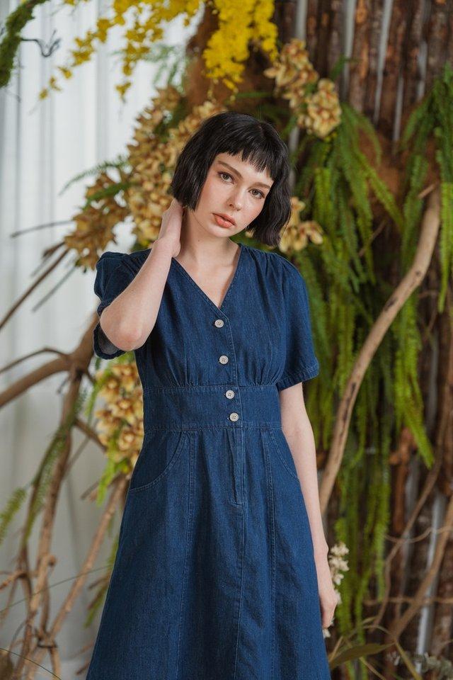 Giselle Puffed Sleeves Denim Dress in Dark Wash