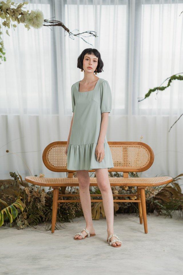 Zenia Puffed Sleeves Dropwaist Dress in Sage