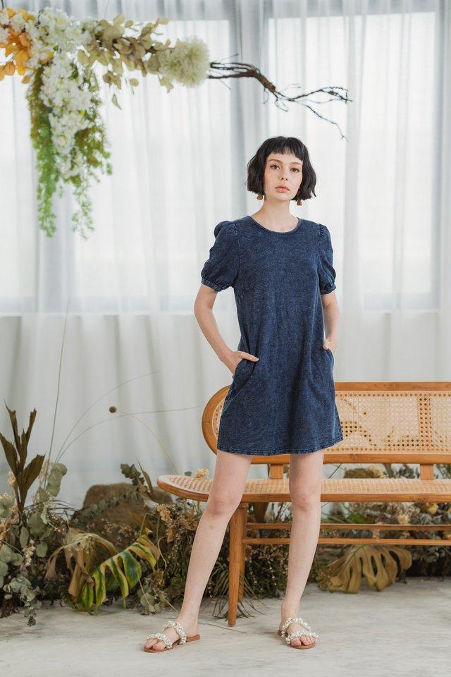 Kayla Puffed Sleeves Denim Dress in Dark Wash