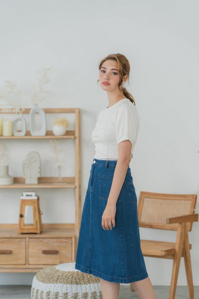 Zenna Pocket Denim Midi Skirt in Mid Wash