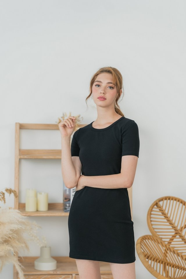 Arianna Ribbed Basic Dress in Black
