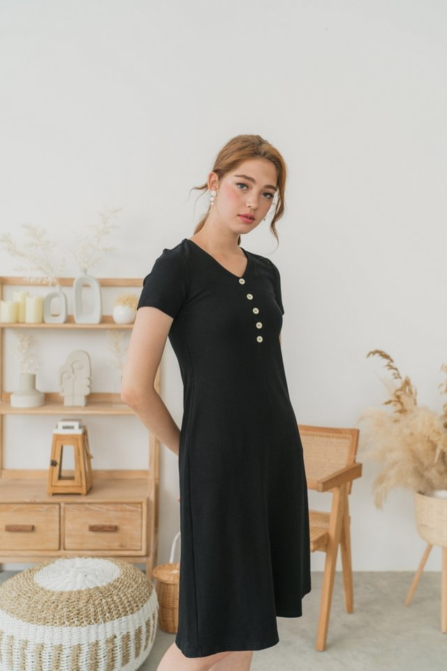 *BACKORDER* Roselle Ribbed Button Midi Dress in Black