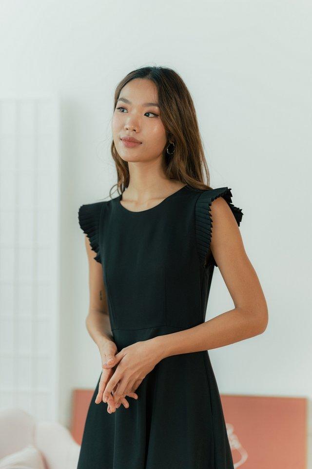 Phoebe Pleated Sleeves Midi Dress in Black