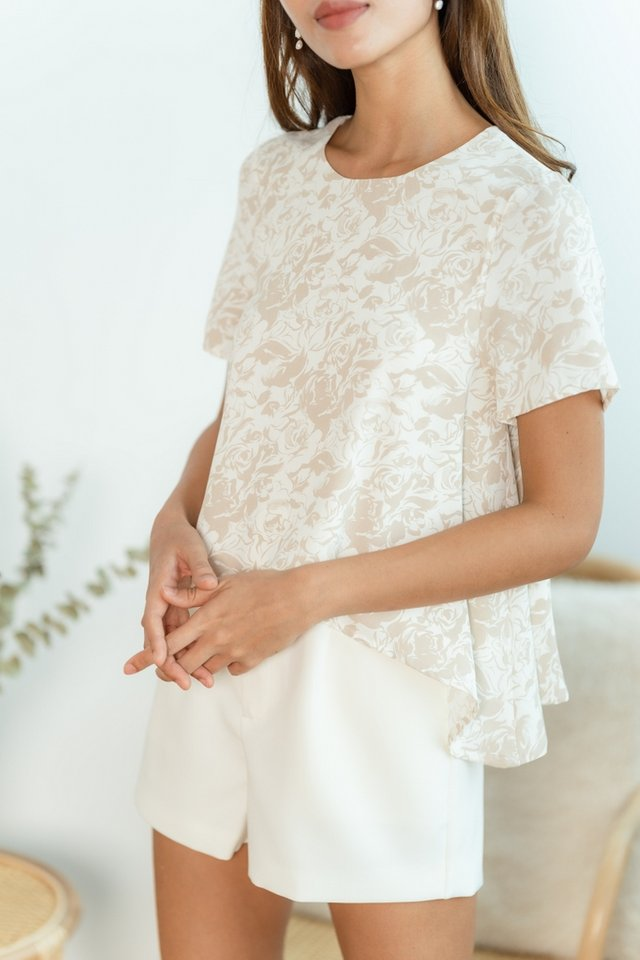 Evalie Abstract Floral Top in Sand