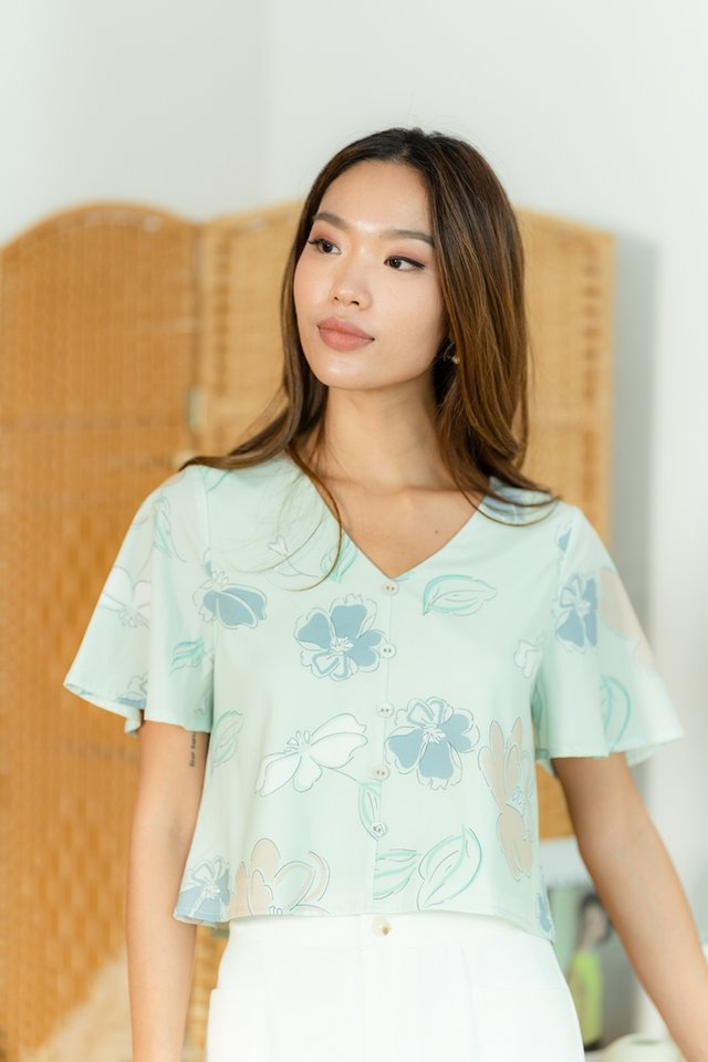 Kelia Abstract Floral Button Top in Mint