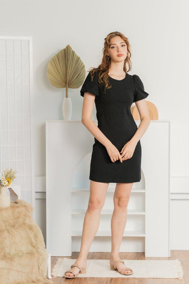 Jovene Ribbed Puffed Sleeves Dress in Black