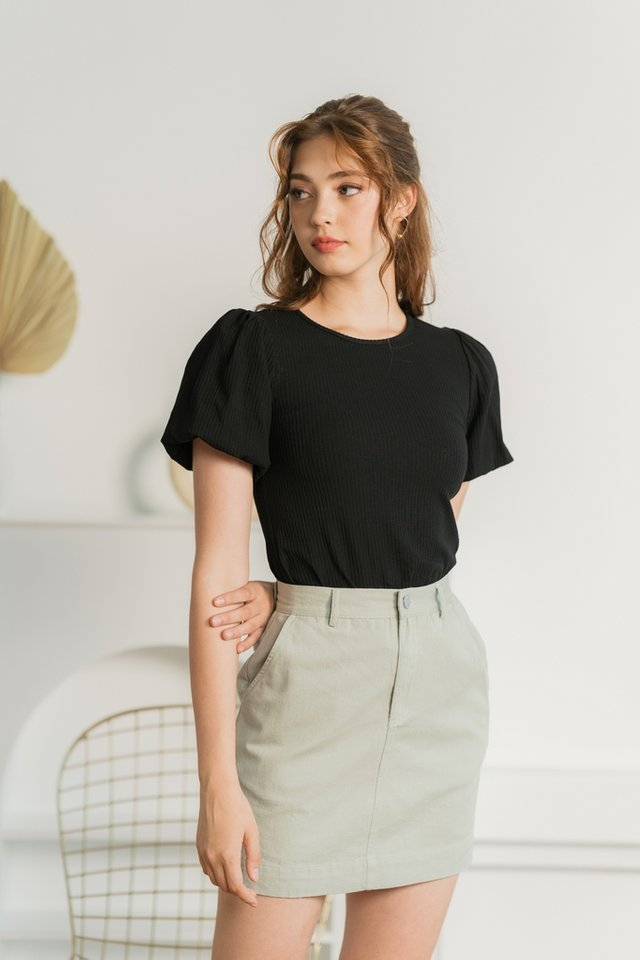 Hailey Ribbed Puffed Sleeves Top in Black