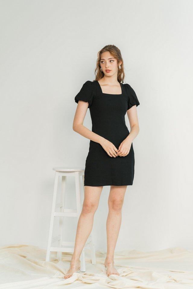 Janelia Ribbed Puffed Sleeves Dress in Black