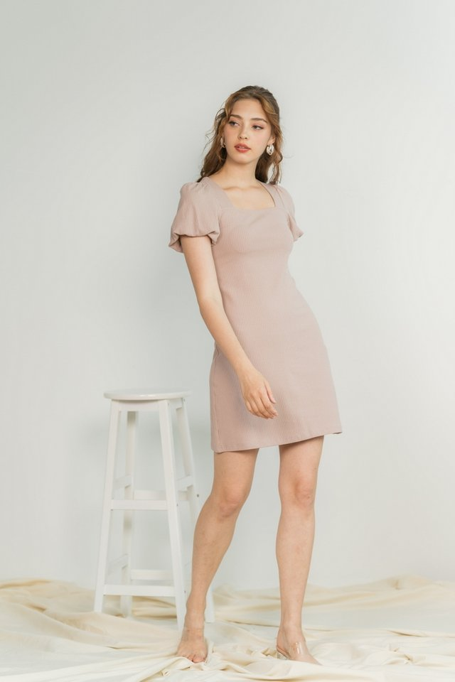 Janelia Ribbed Puffed Sleeves Dress in Taupe