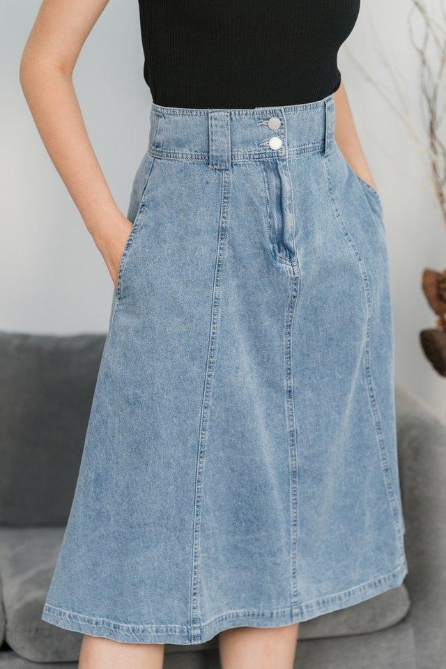 Alix Double Button Denim Midi Skirt in Light Wash